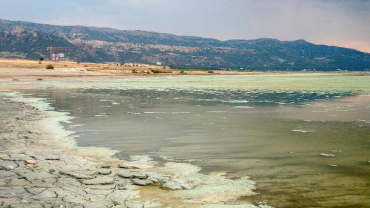 Burdur Gölü'nde alg patlaması: Rengi değişti