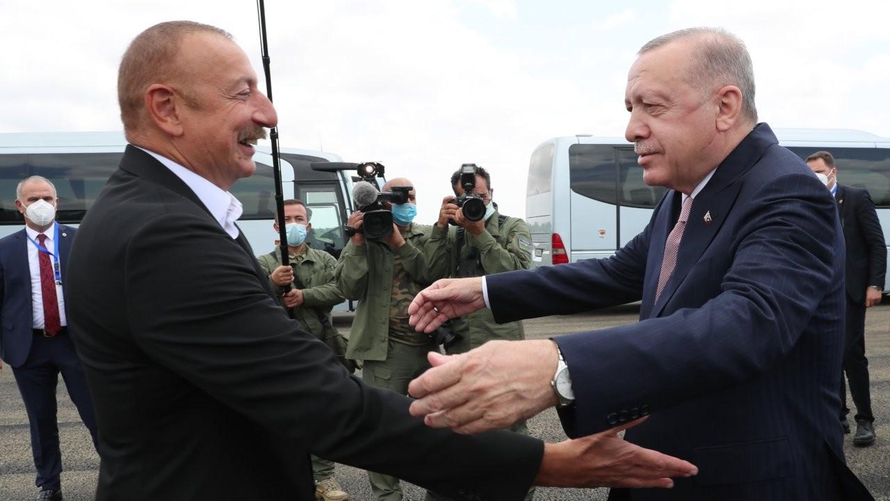 Erdoğan ile Aliyev kucaklaşıp Şuşa'ya gitti