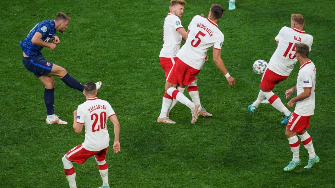 Euro 2020'de günün galipleri Slovakya ve Çekya oldu