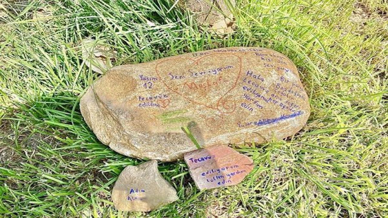 Parktaki taşa 'tecavüz' notu yazan çocuk bulundu