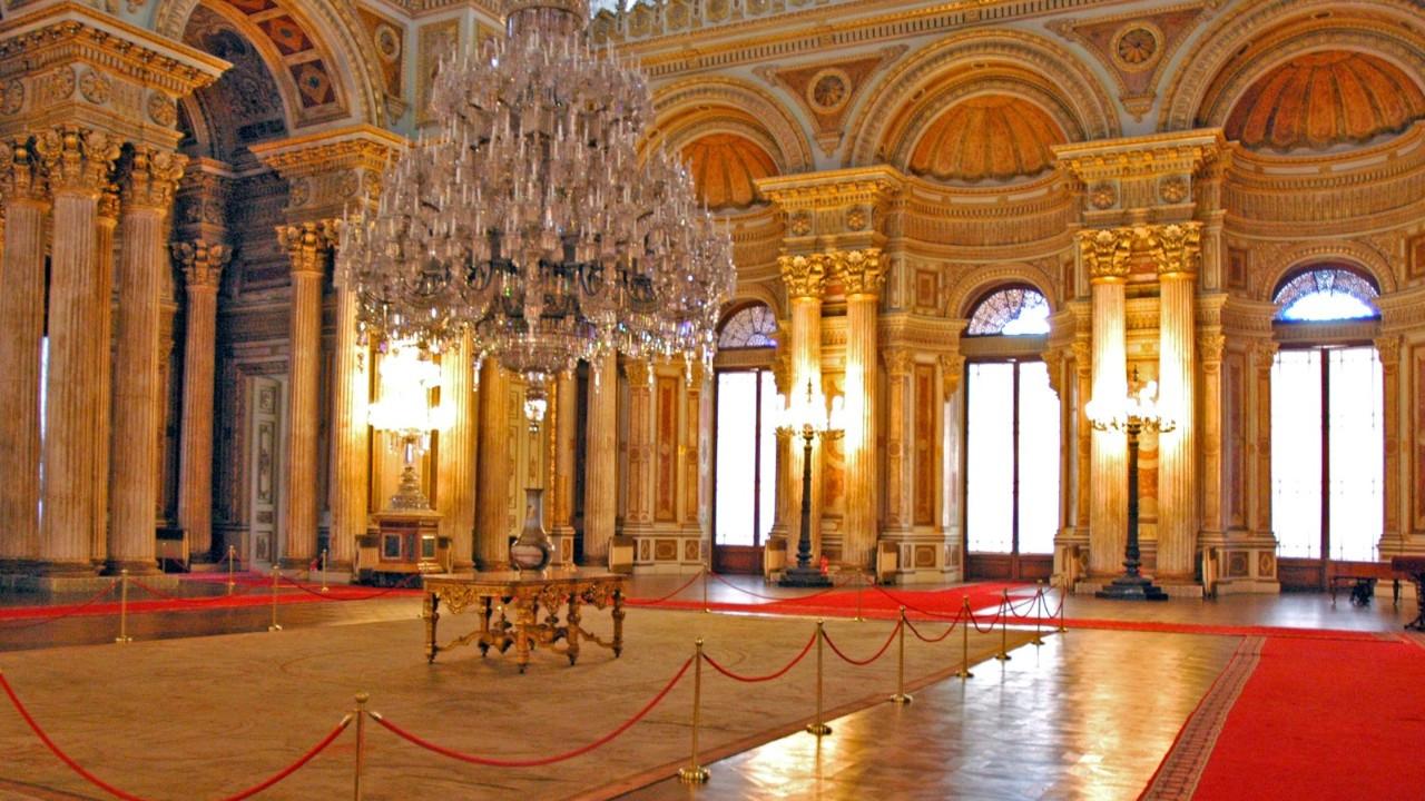 Milli Saraylar Başkanlığı: Altın vazolar hiç var olmadı, suç duyurusunda bulunduk