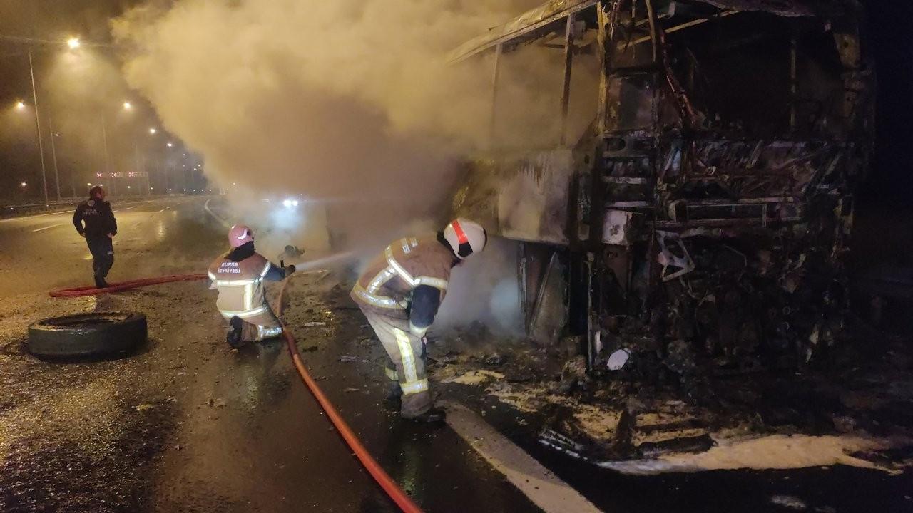 25 yolcusu bulunan otobüs yandı
