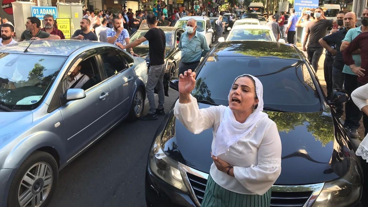 Diyarbakır: Polis, açıklama yapmak isteyen vekillere saldırdı