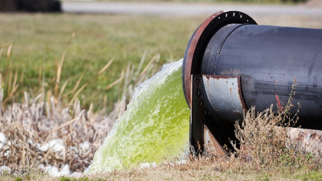 Atık suyu temizlerken elektrik üreten bir cihaz geliştirildi