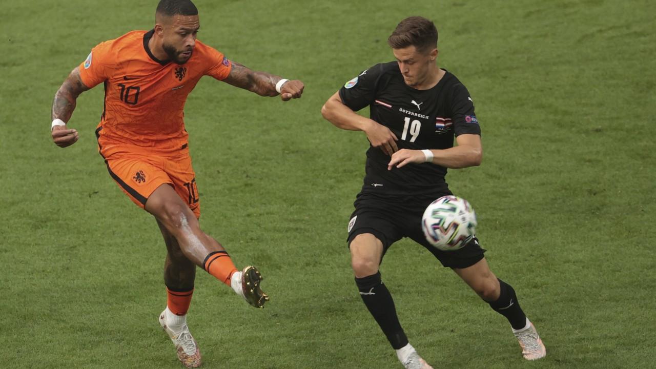Avusturya'yı 2-0 yenenHollandason 16'ya kalmayı garantiledi