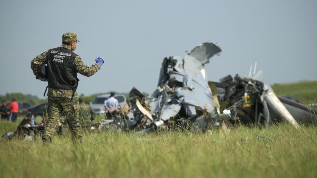 Rusya'da paraşüt sporcularını taşıyan uçak kaza yaptı: 4 ölü