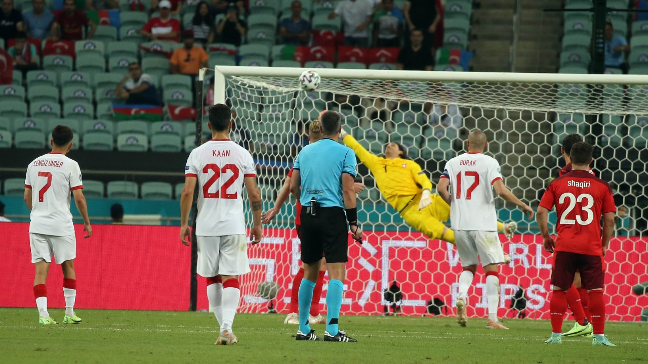 İsviçre'ye 3-1 yenilen Türkiye EURO 2020'ye veda etti