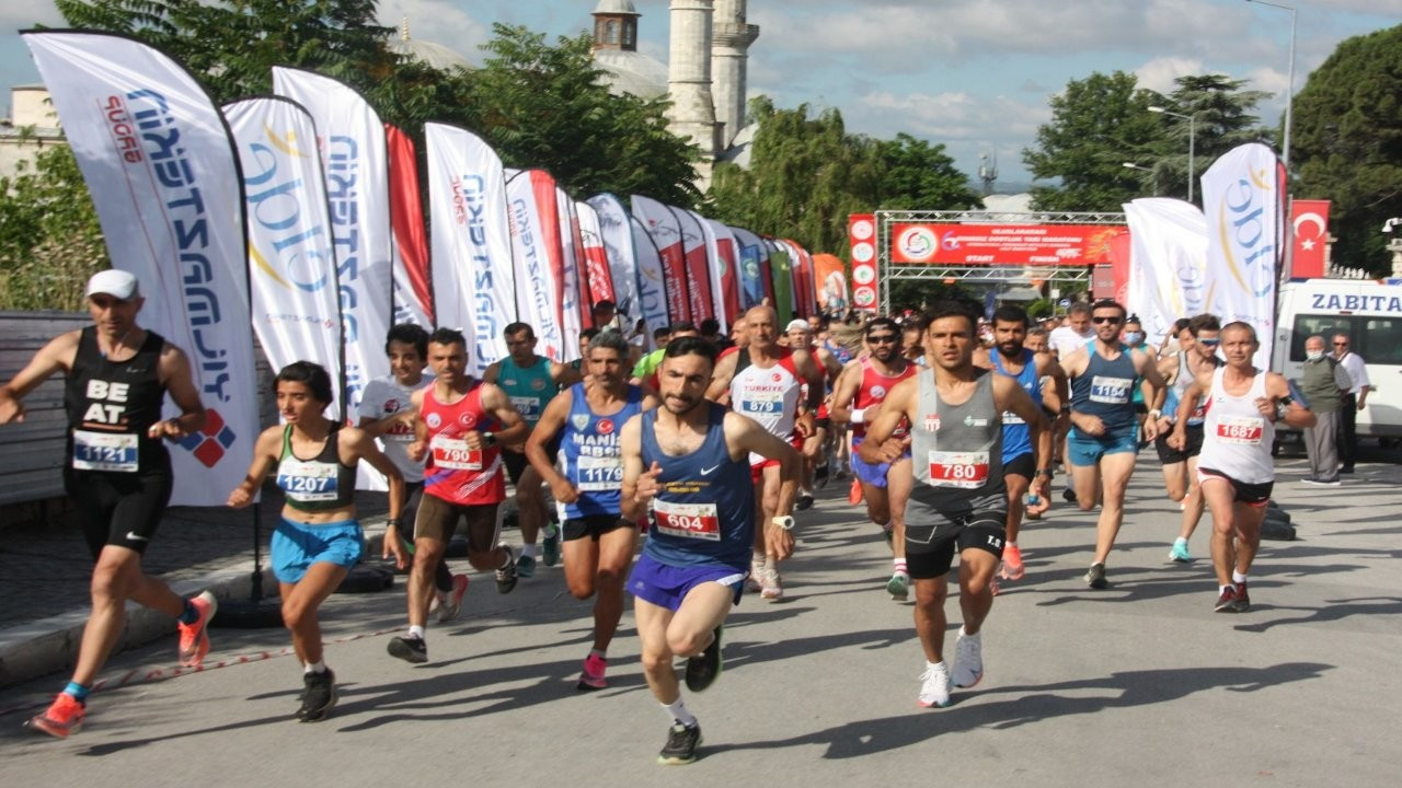 Sınırsız Dostluk Yarı Maratonu Edirne'de koşuldu