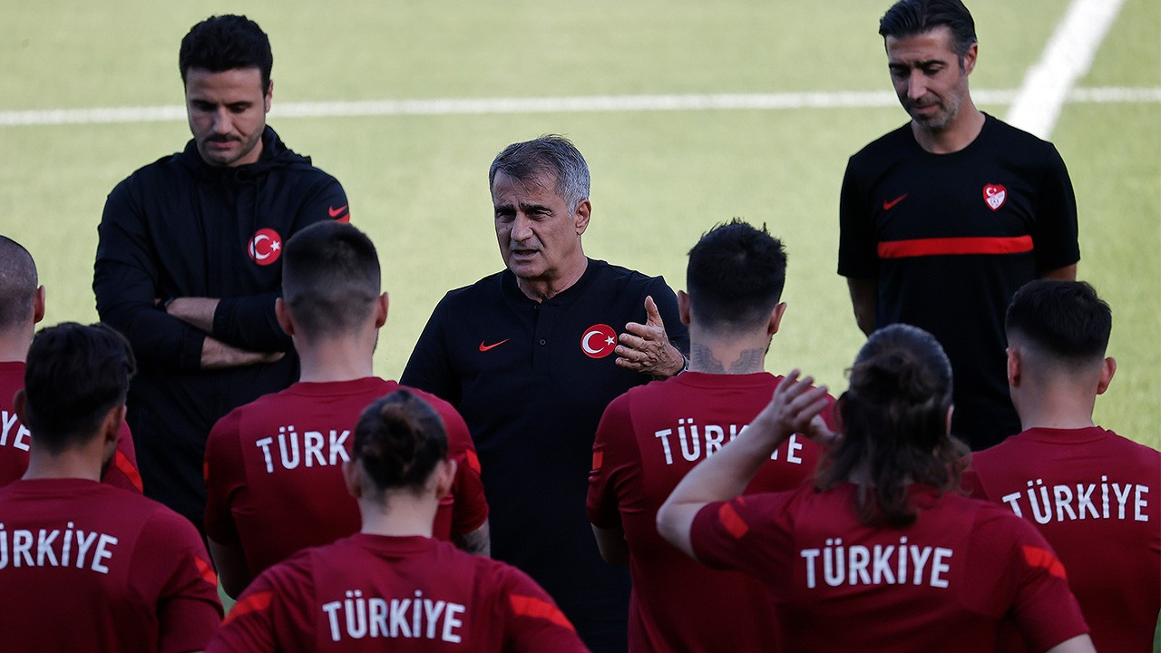 Euro 2020'de günün programı: Türkiye mucize peşinde