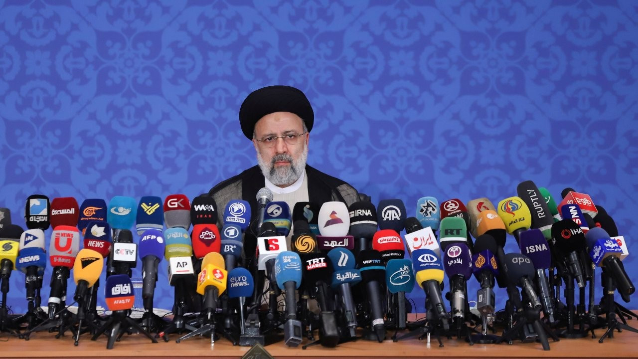 İran Cumhurbaşkanı Reisi'den ABD'ye ilk mesaj: Yaptırımları kaldırın