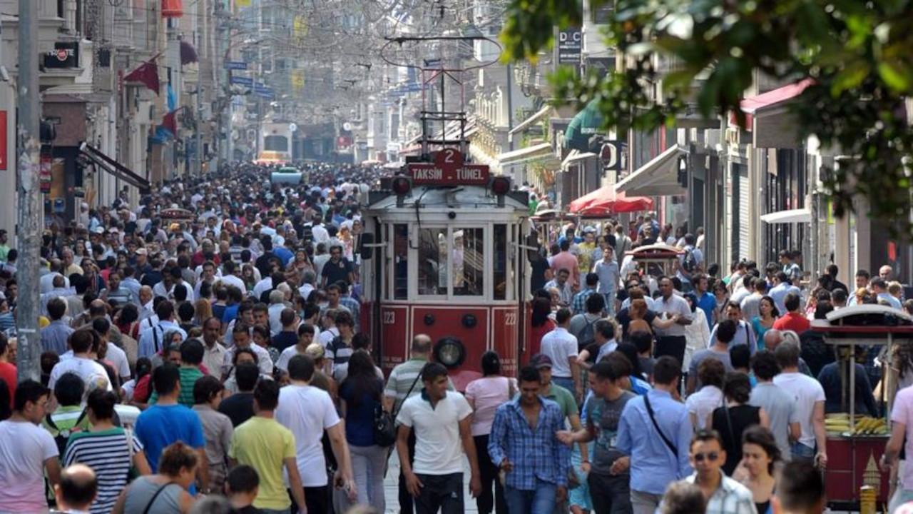 Türkiye'de 687 kişiye bir dernek düşüyor