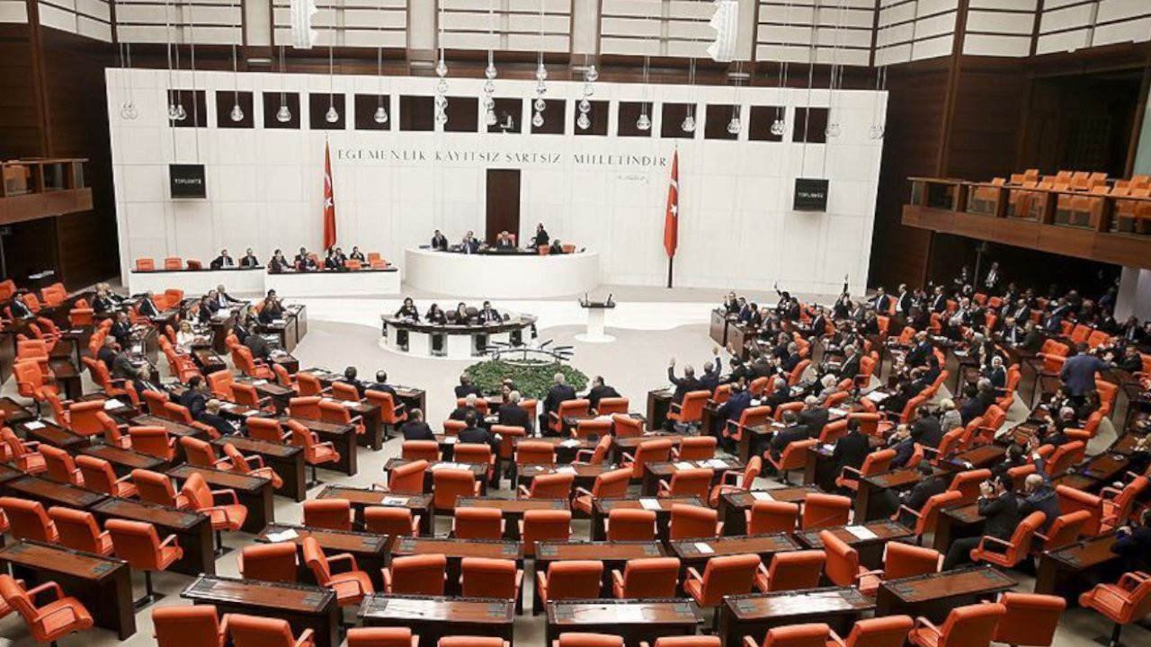 Askerlerin yargılanmasını düzenleyen teklif Meclis'te kabul edildi