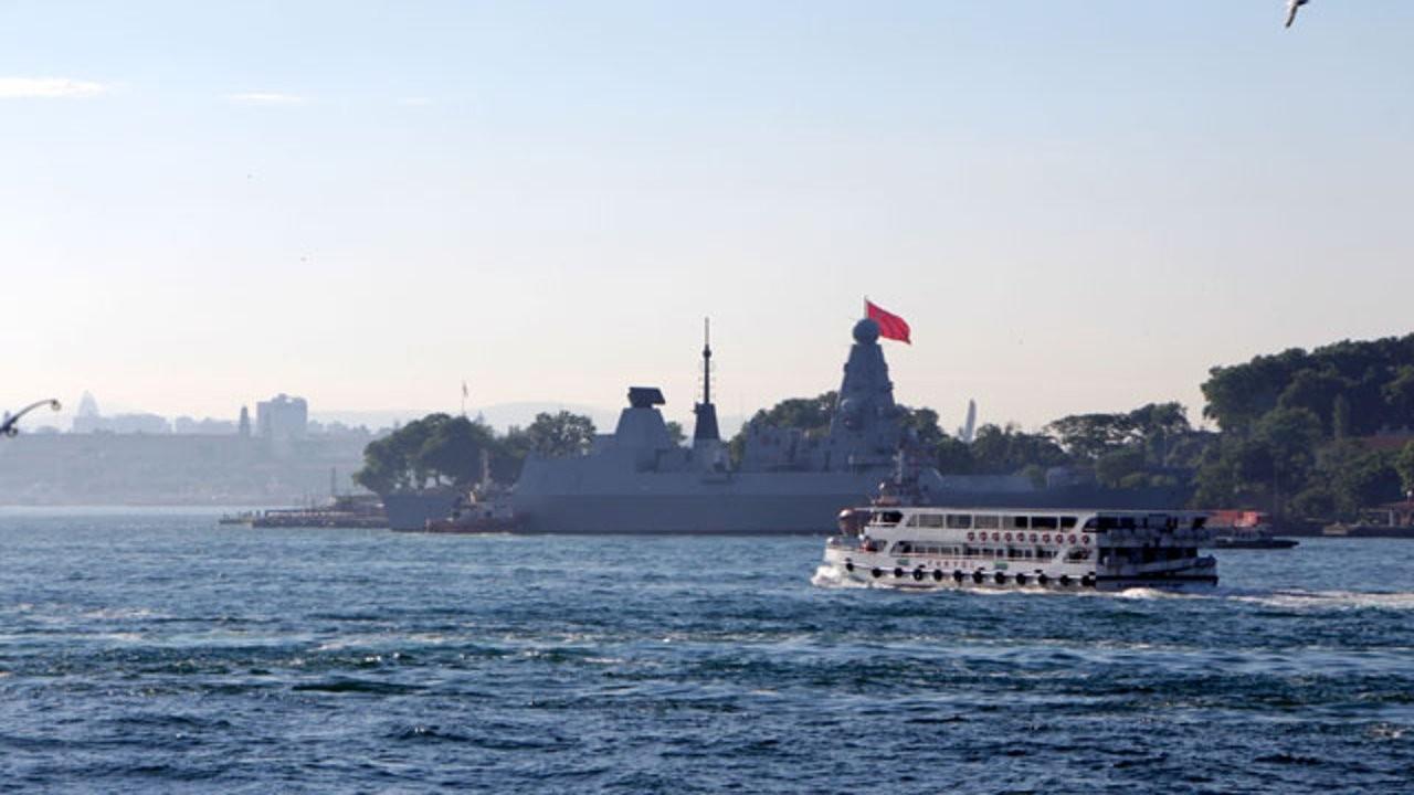 Karadeniz'de Rusya-İngiltere krizi: Rusya İngiliz gemisine uyarı ateşi açtı