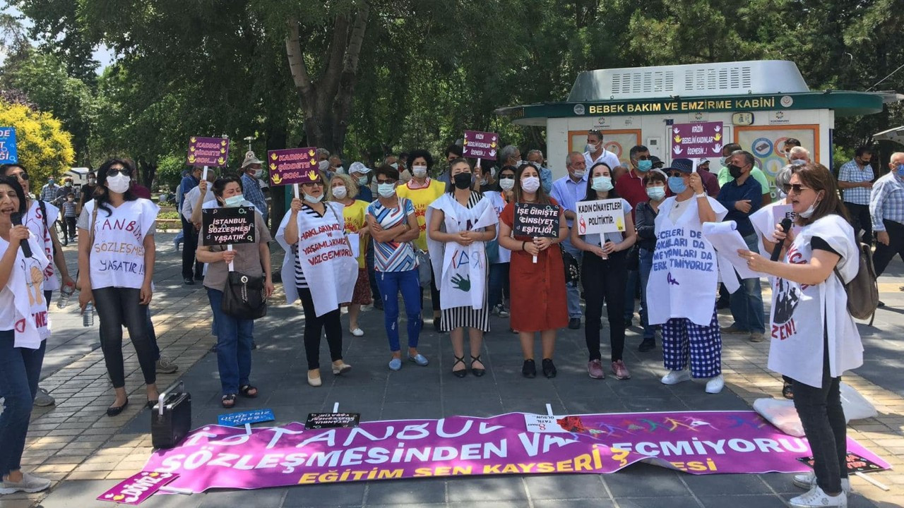 'İstanbul Sözleşmesi'nden değil önümüzden çekilin'