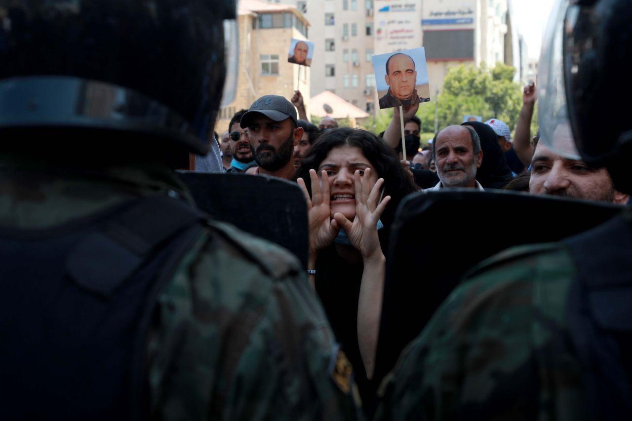 Filistin yönetimini eleştiren Nizar Benat 'dövülerek' öldürüldü - Sayfa 3