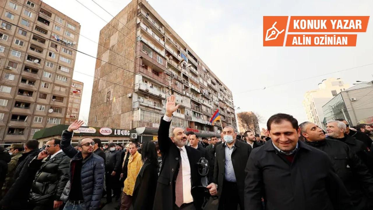 Ermenistan yarım kalan 'Kadife Devrimi'ne sahip çıktı
