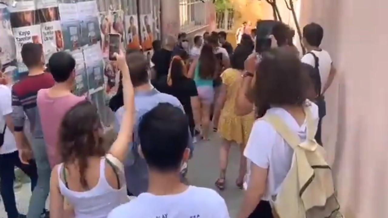 Gaz bombasına tepki gösteren mahalleliye hakaret ve evinde gözaltı