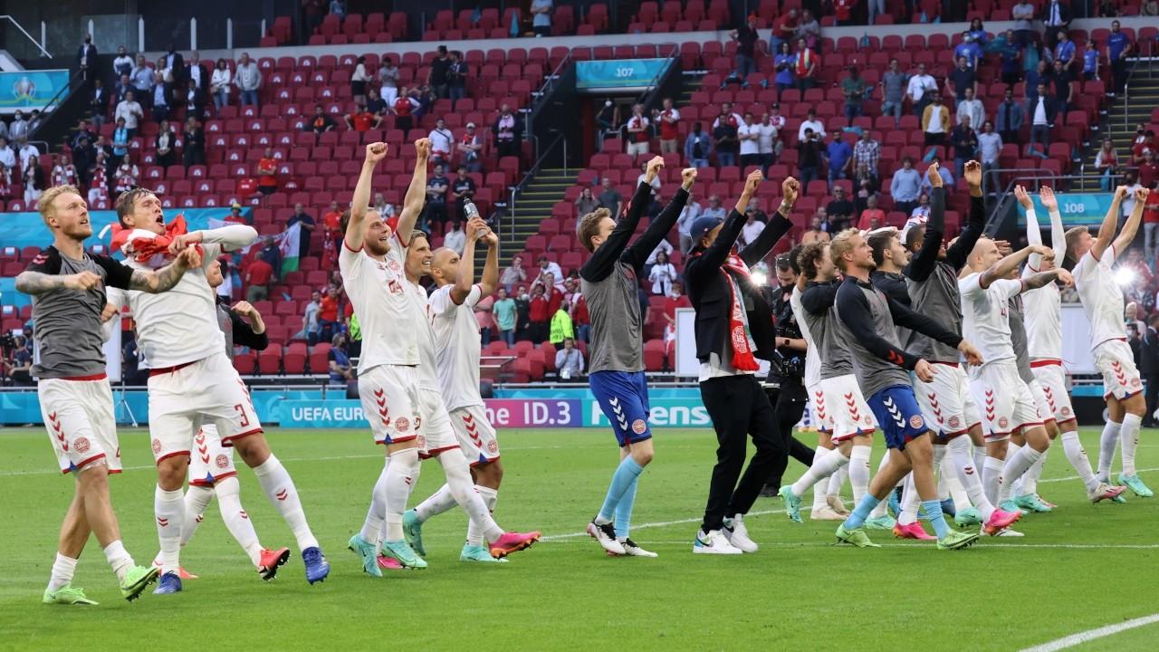 EURO 2020'de ilk çeyrek finalist Danimarka oldu