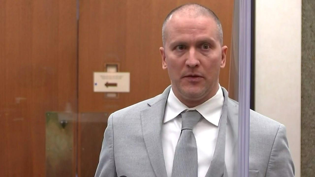 George Floyd'u öldüren polis Chauvin'e 22,5 yıl hapis cezası verildi