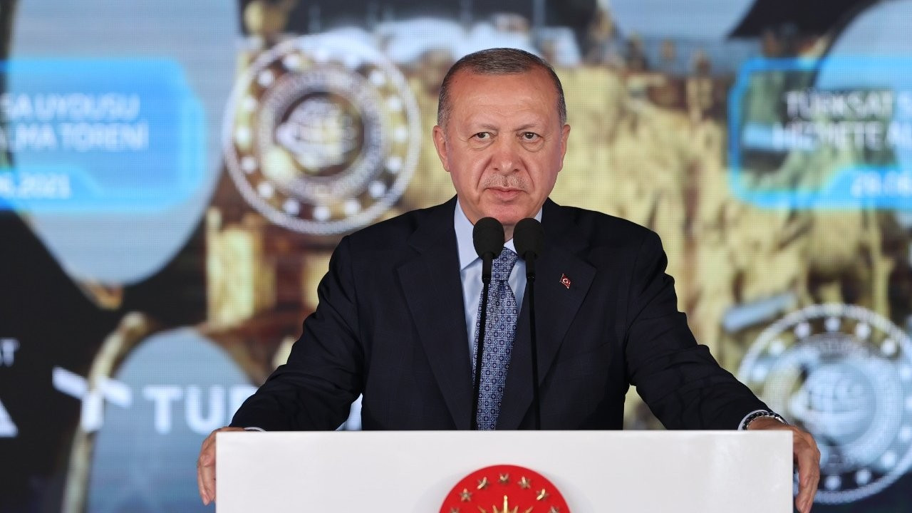 FT: Ekonomi, Erdoğan'a desteği en düşük seviyeye geriletti