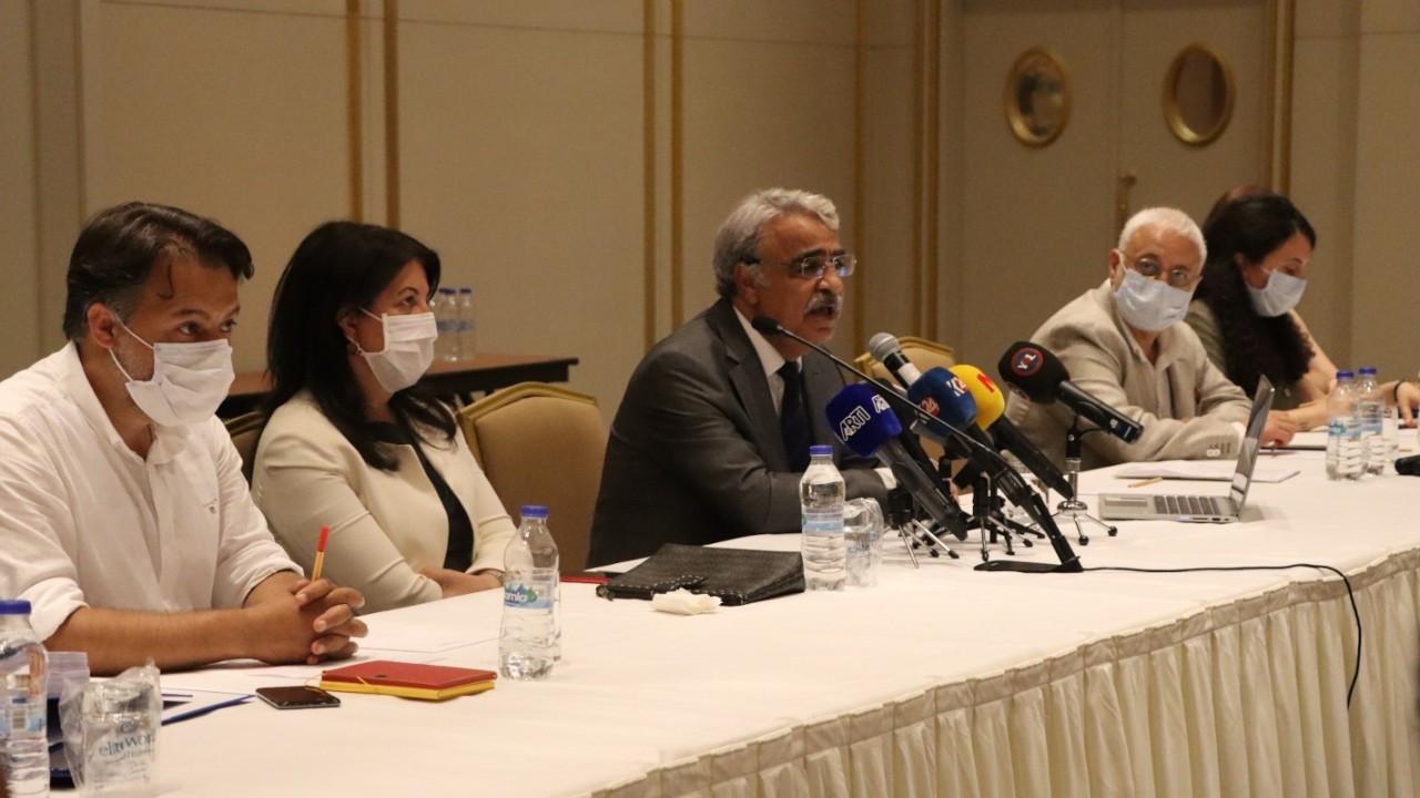 HDP hukukçularla buluştu: Zor ve sancılı bir dönemden geçiyoruz