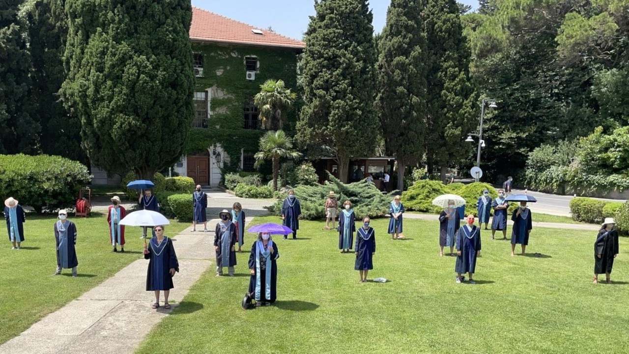 Boğaziçi mezunları protestoların altıncı ayına özel nöbet tutacak