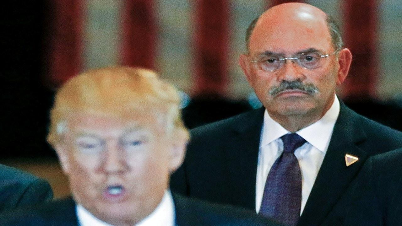 Trump'ın şirketinin mali işler müdürü iddianame öncesi teslim oldu