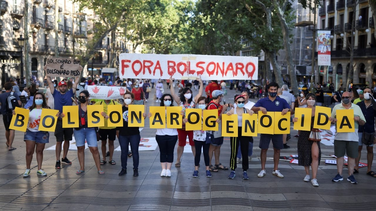 Brezilya'da aşı yolsuzluğuna karşı on binler sokakta