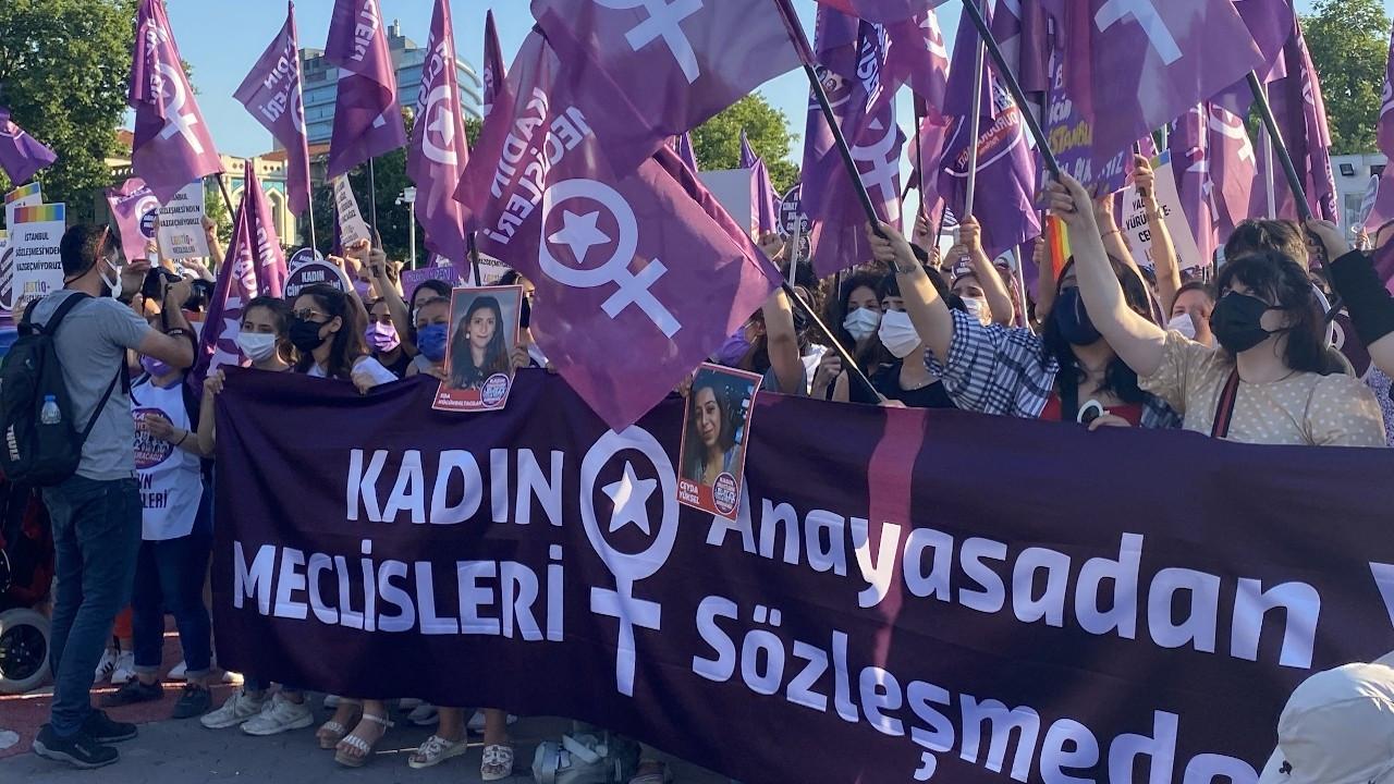 Kadıköy'de 'İstanbul Sözleşmesi' eylemi: Vazgeçmiyoruz