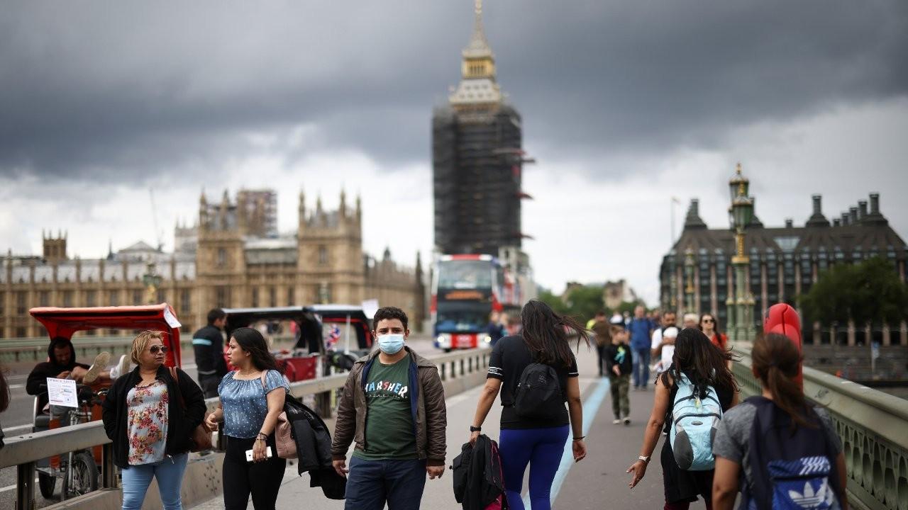 Aşılamada yüzde 60 eşiği aşıldı, İngiltere maskeleri çıkarıyor