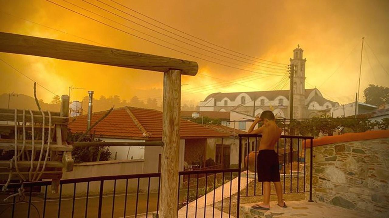 'Kıbrıs tarihinin en büyük yangını': Dört kişi öldü