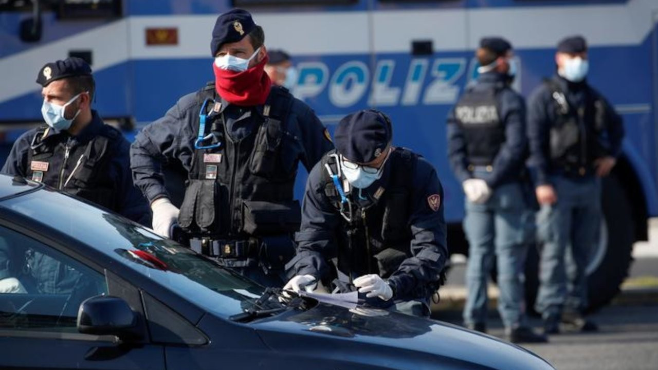 İtalya'da, IŞİD'e para göndermekle suçlanan 4 kişi gözaltında
