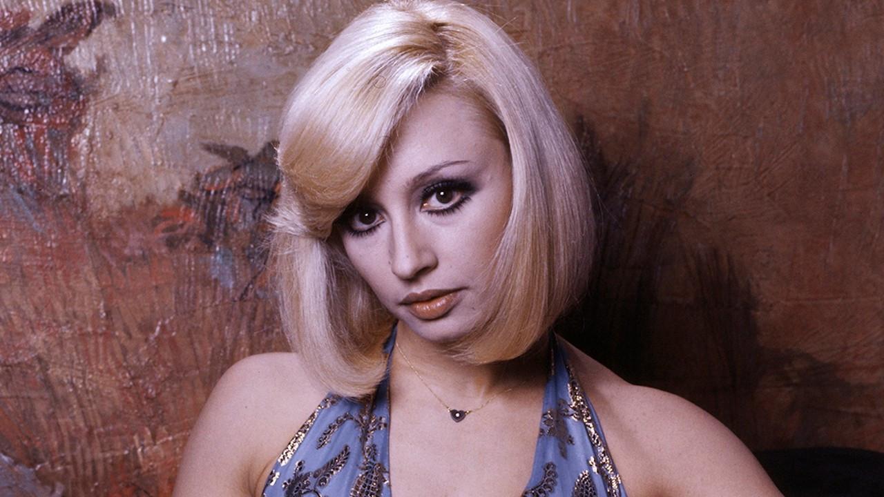Ünlü İtalyan şarkıcı ve sunucu Raffaella Carra vefat etti
