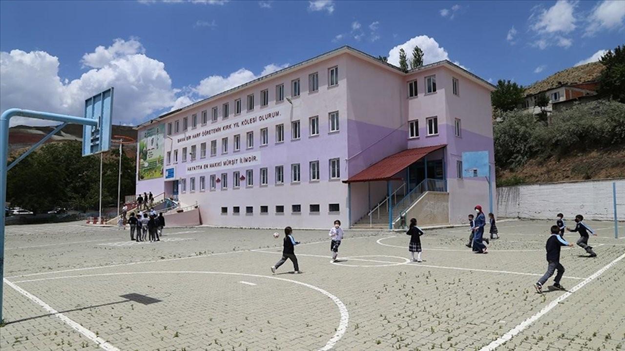 Bakan Selçuk: 15 bin okul halk eğitim merkezi olacak