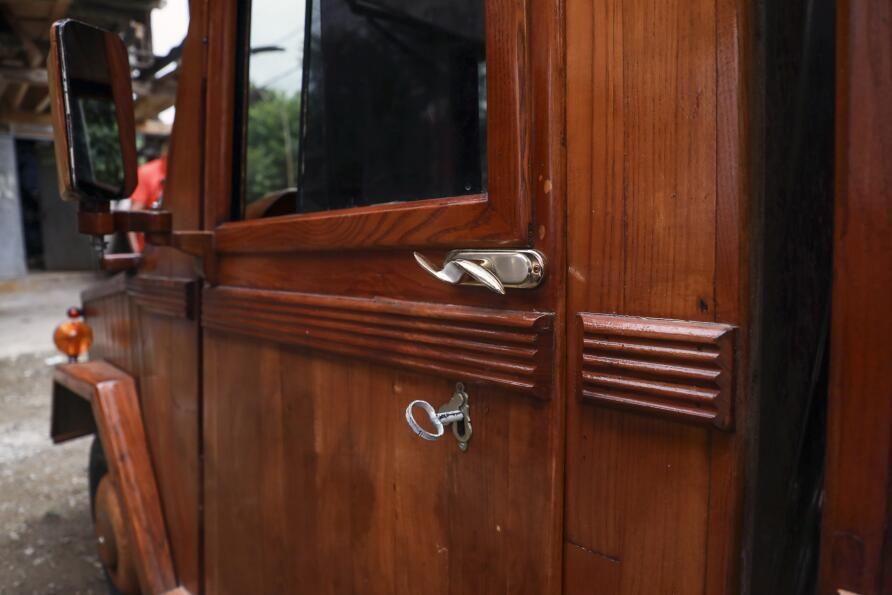 Rizeli marangoz kamyoneti ahşap kapladı: Sedirin suda 20 yıl ömrü var - Sayfa 4