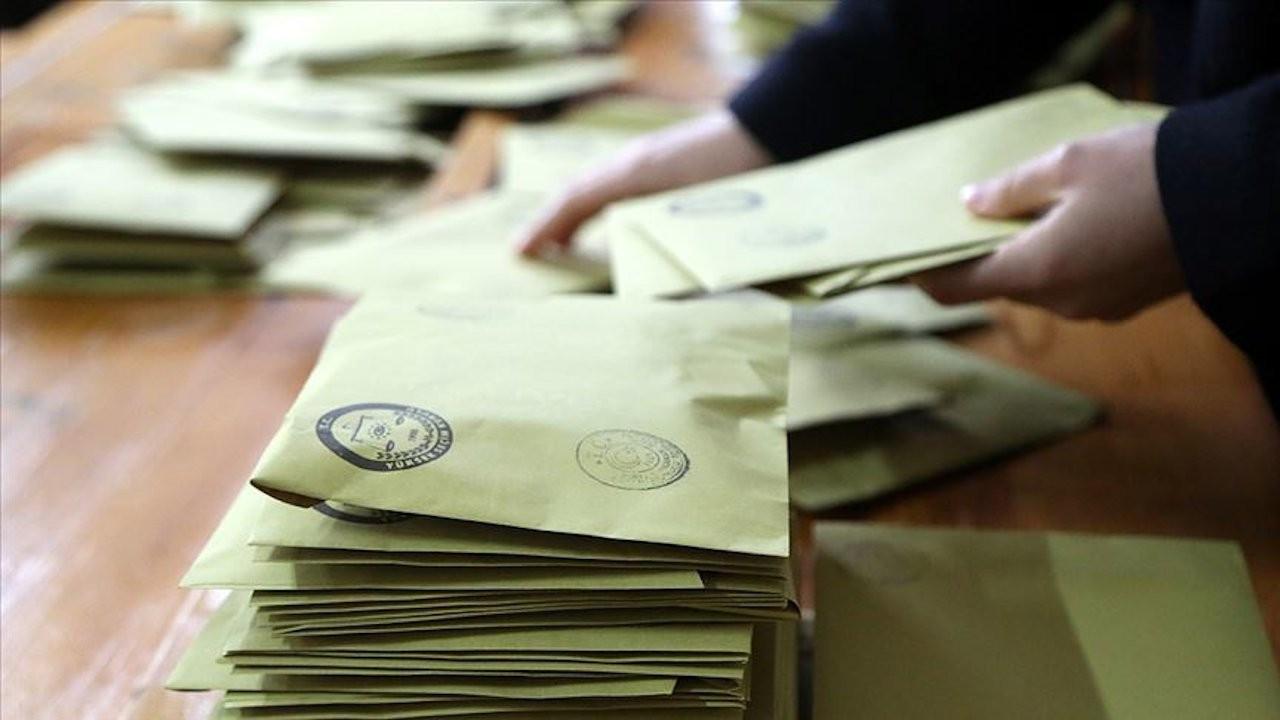 Seçimde ilk kez sandığa gidecek gençler hangi partilere oy verecek?