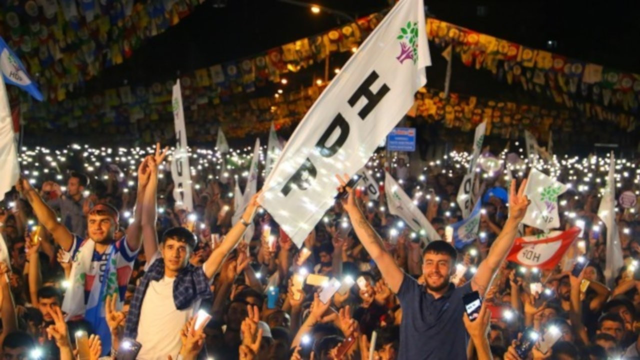 Pervin Buldan ve Mithat Sancar iki koldan meydanlara çıkıyor