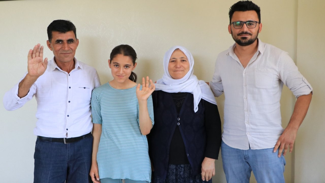 Hentbolcu Akpınar: Pamuk toplayan Fatma, fındık toplayan Tuğba'yım