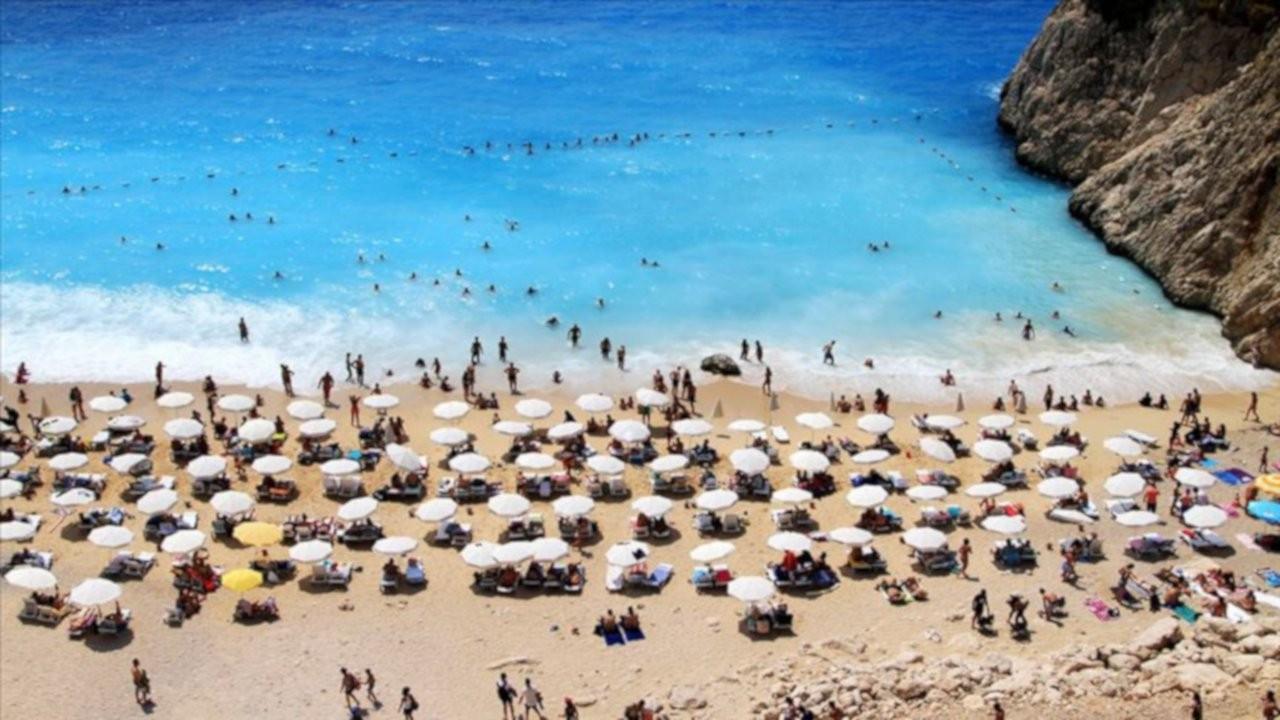 Antalya'ya Ukrayna'dan 417 bin, Rusya'dan 406 bin turist geldi