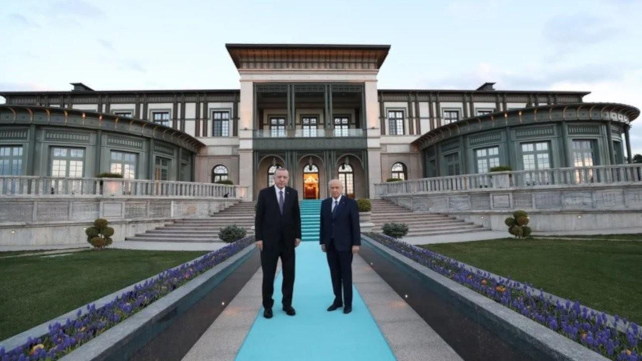 Erdoğan iktidarı teslim etmeyiz derken çatlaklar büyüyor