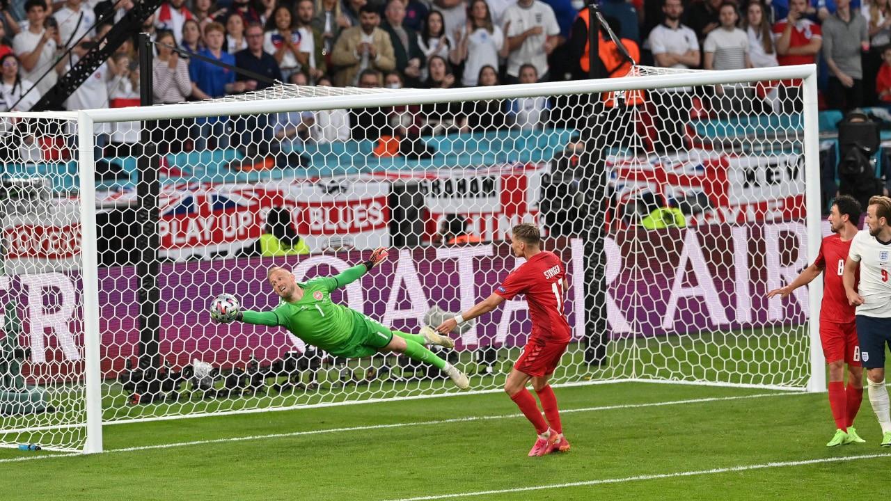 İngiltere Danimarka'yı 2-1 geçerek finalde İtalya'nın rakibi oldu