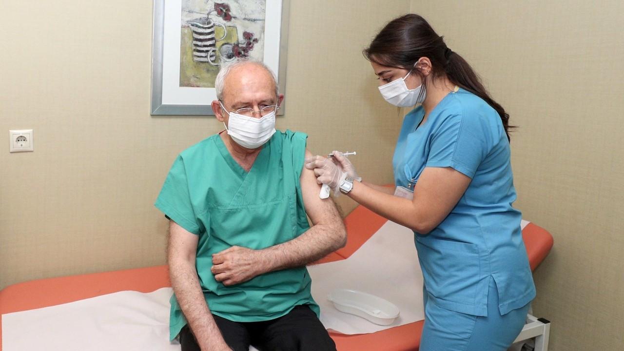 Kemal Kılıçdaroğlu üçüncü doz aşısını yaptırdı