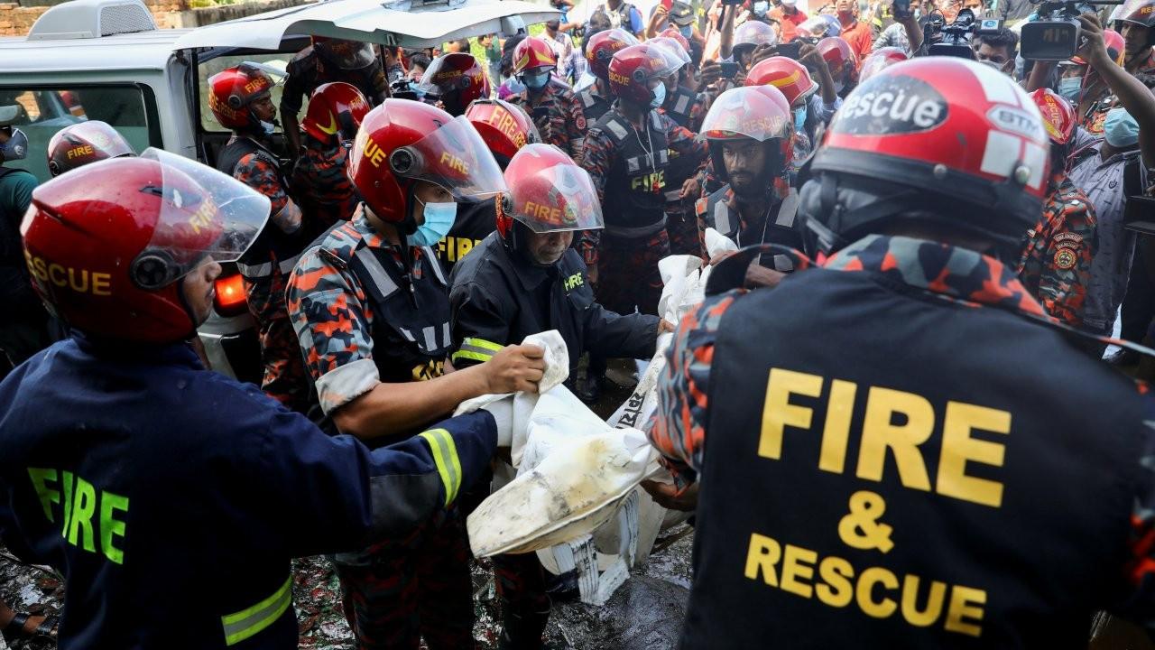 Bangladeş'te fabrika yangını: En az 52 kişi öldü