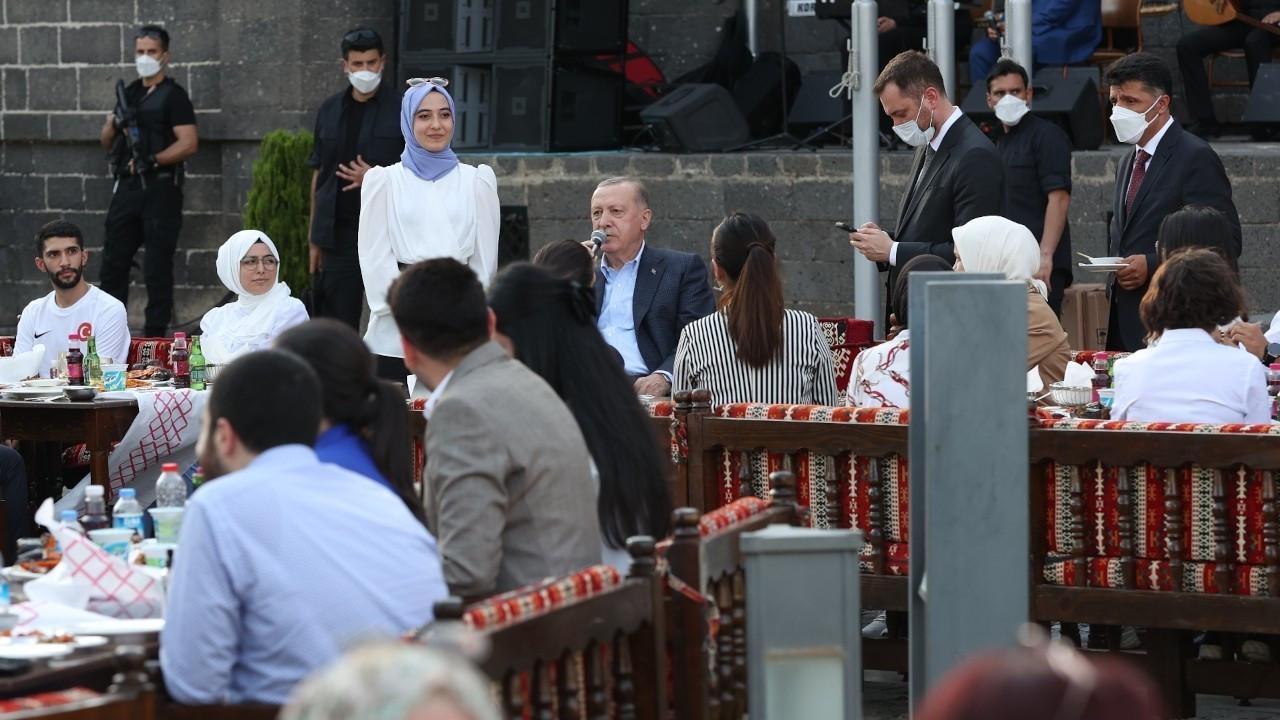 Cumhurbaşkanı Erdoğan, Neşet Ertaş'ın türküsünü söyledi