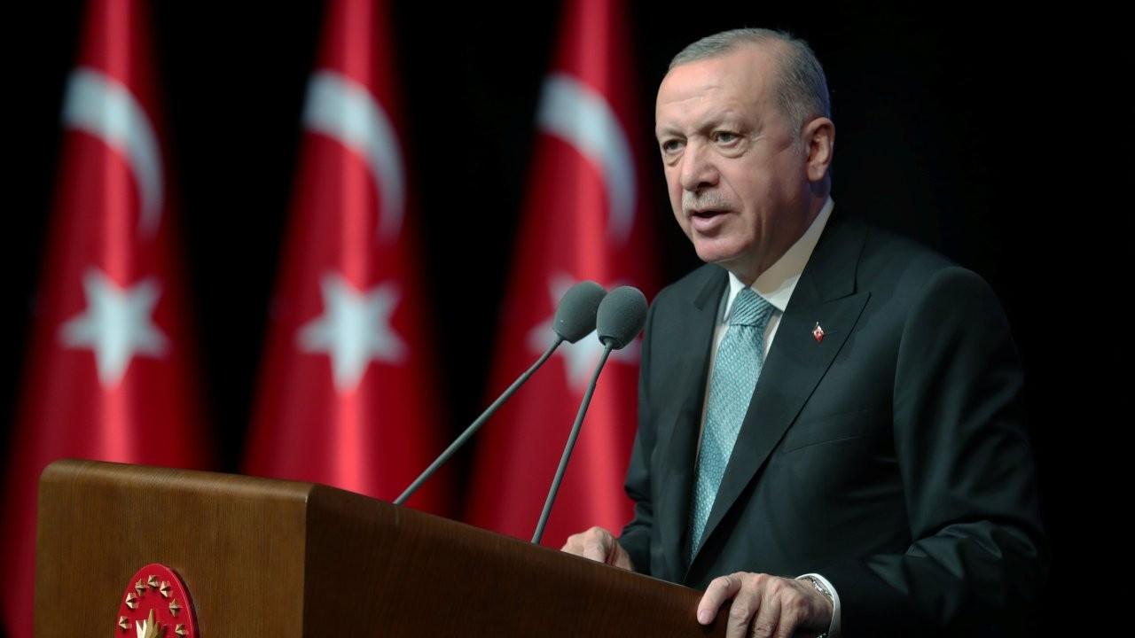 Economist'ten Peker yorumu: Erdoğan'ın imajı ve ekonomi darbe alıyor