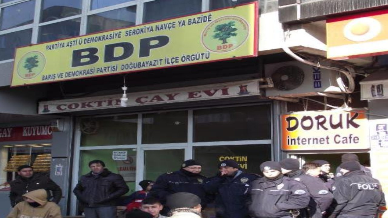 Kürtçe BDP tabelasına hapis cezası