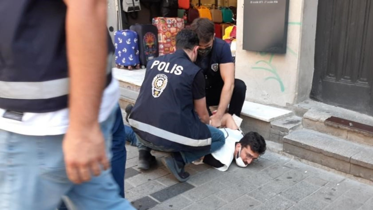 İstiklal Caddesi'ndeki Suruç anması engellendi: 6 gözaltı