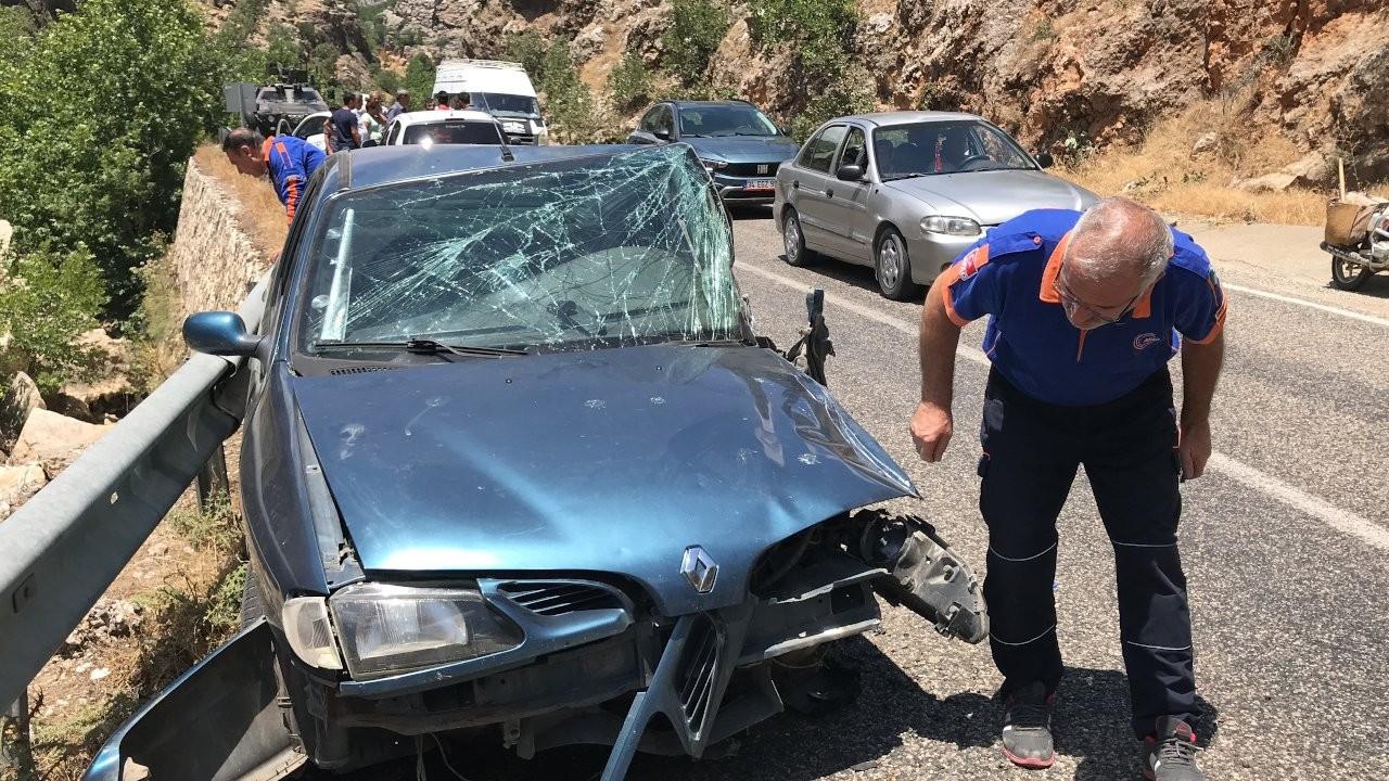 HDP'li eski milletvekili kaza geçirdi: 7 yaralı