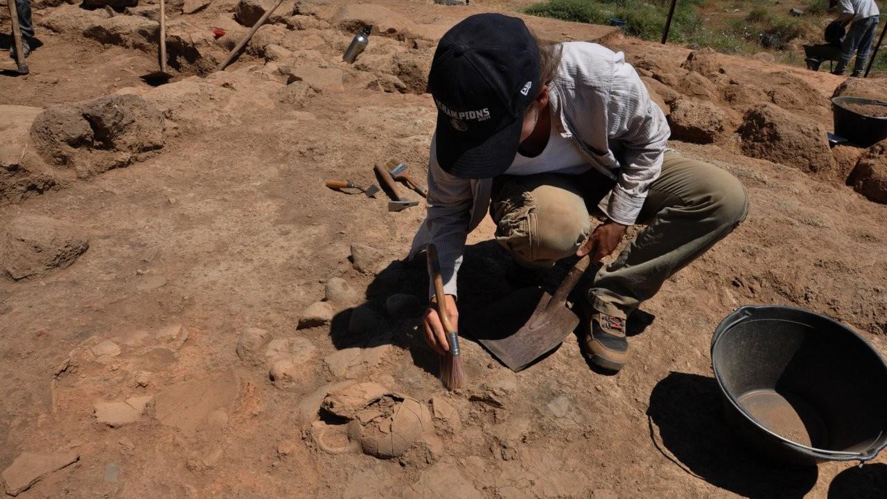 Zincirli Höyük'te, Demir ve Orta Çağ eserleri bulundu