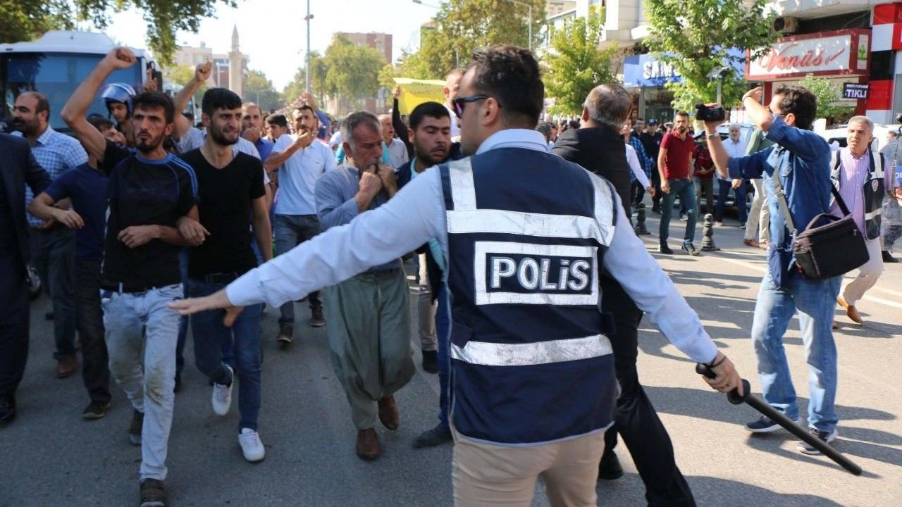 Tütün protestolarına tutuklama MHP'den istifalar getirdi